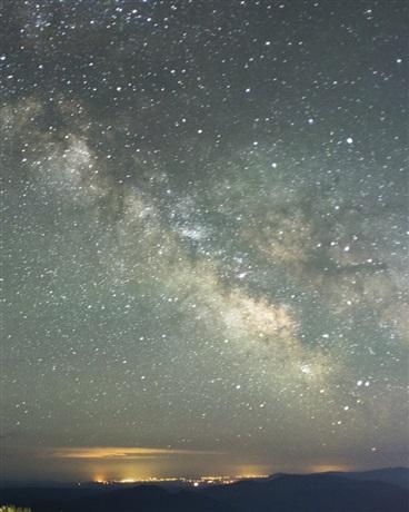 夜空中天上的风景图片