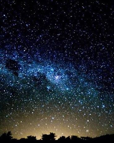 繁星普照的夜空