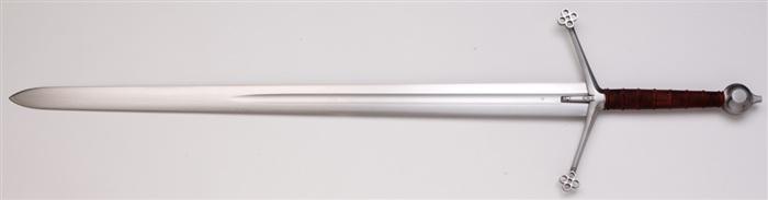 6.苏格兰的巨剑:斩剑(claymore)